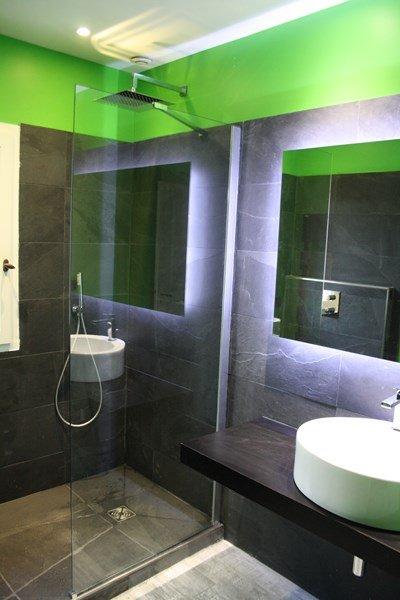 Renovation de salle de bain du bain a la douche syst me for Douche italienne maconnee