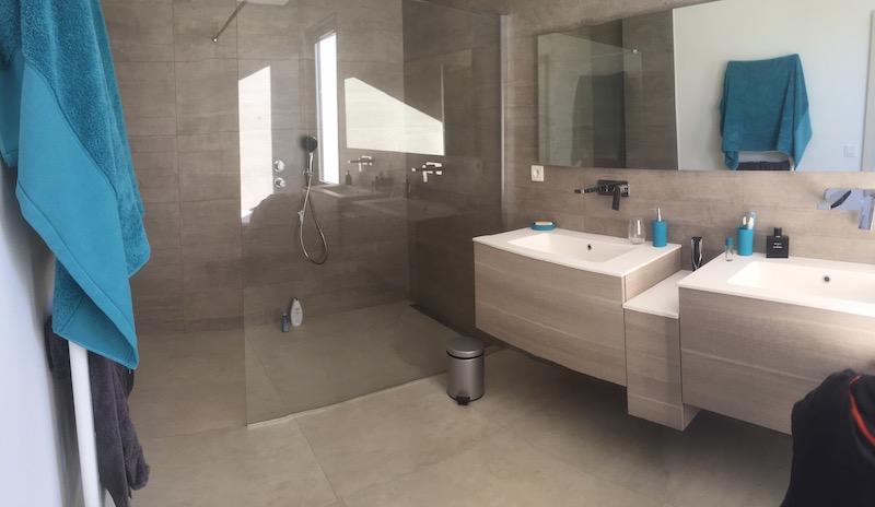 cr ation de salle de bain dans une villa de prestige eguilles 13 syst me de chauffage aix en. Black Bedroom Furniture Sets. Home Design Ideas
