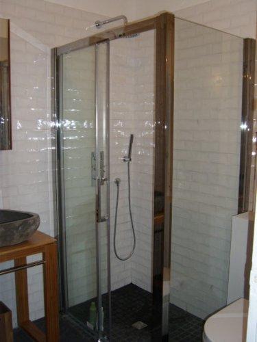 Transformation d 39 un bain en douche eguilles lb energies for Douche italienne maconnee