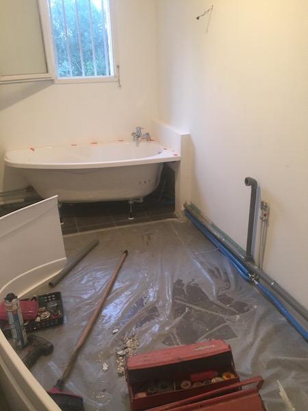 plombier aix en provence 13 cr ation d 39 un espace bain dans une salle de bain syst me de. Black Bedroom Furniture Sets. Home Design Ideas